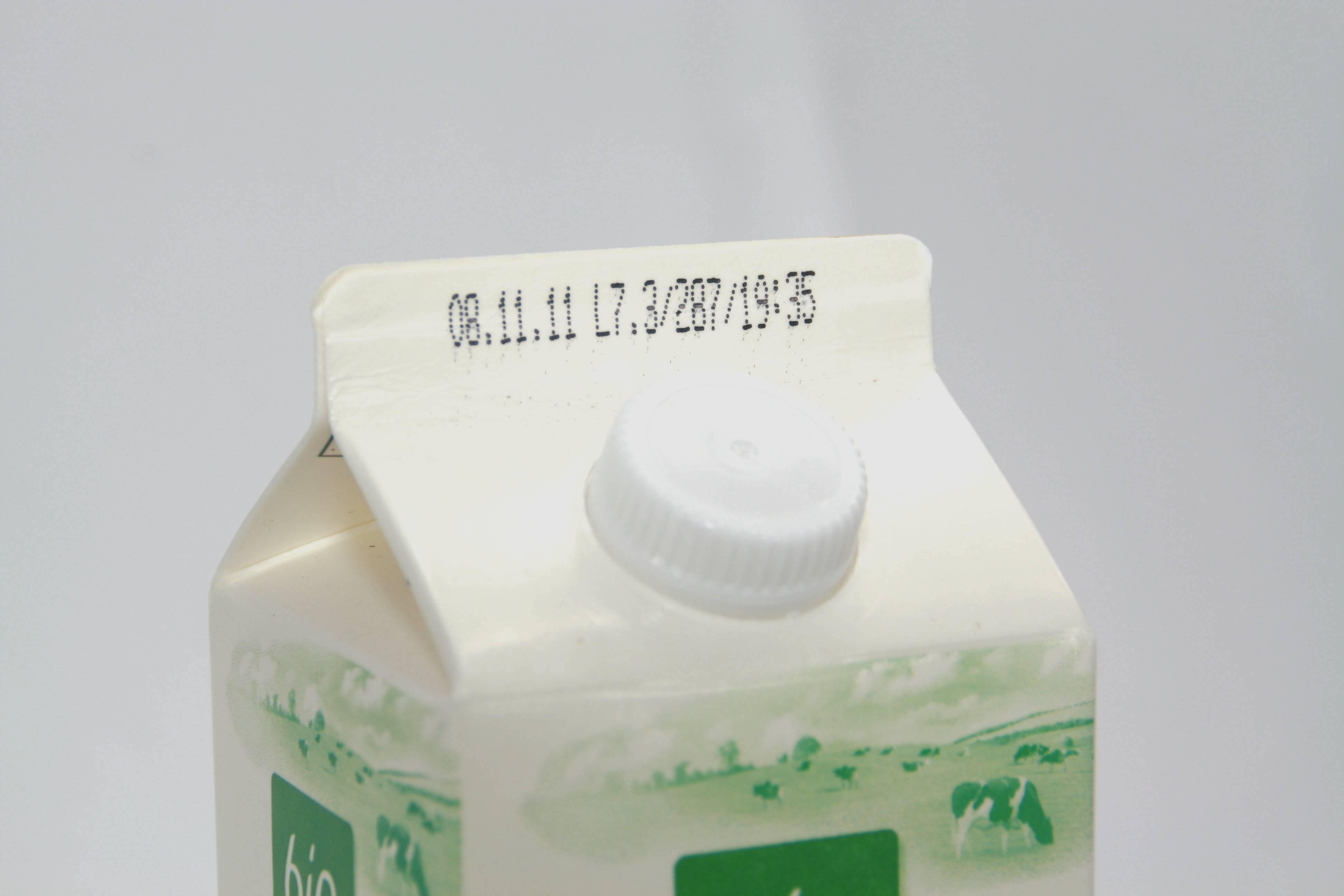 Mindesthaltbarkeitsdatum auf Milchkarton