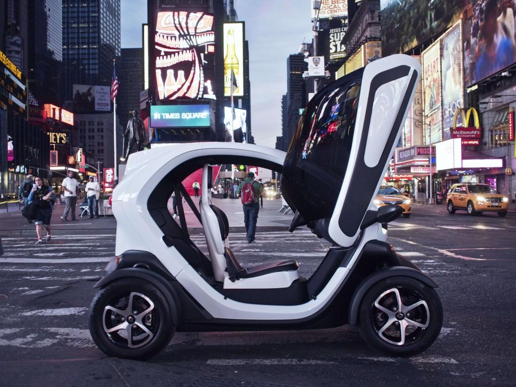 Elektroauto Twizy von Renault mit Flügeltüren