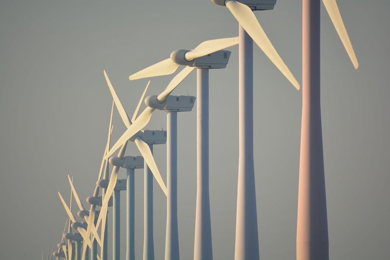 Windräder zur umweltfreundlichen Stromversorgung mit Windenergie