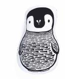 Kuschelkissen von Wee Gallery Pinguin
