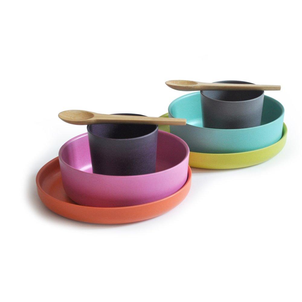 buntes kindergeschirr schadstofffrei und gutes design vereint. Black Bedroom Furniture Sets. Home Design Ideas